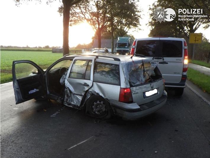 Read more about the article POL-KLE: Kerken-Nieukerk – Drei Personen bei Verkehrsunfall verletzt