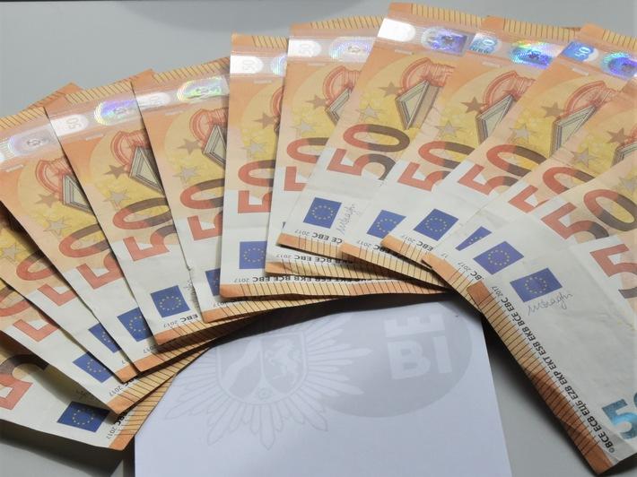 Read more about the article POL-BI: Ehrliche Finderin bringt 700 Euro zur Polizei