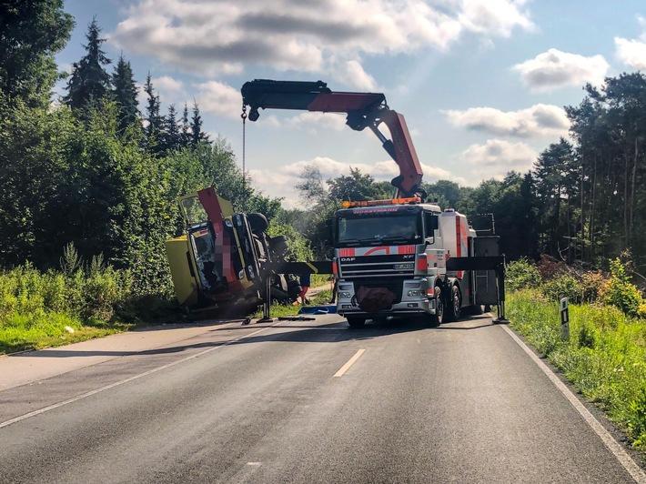 Read more about the article POL-COE: Havixbeck, L581/ Lkw verunglückt, Straße gesperrt