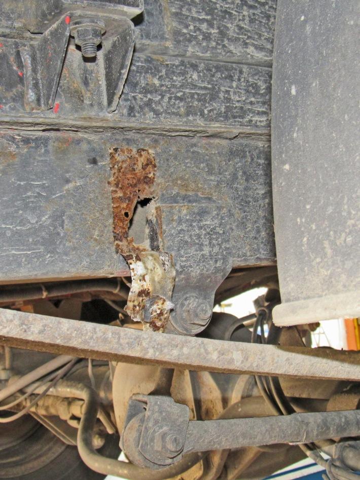 Read more about the article POL-ME: LKW wurde von Bauschaum und Klebeband zusammengehalten – Haan – 2107113