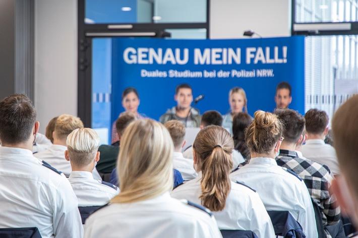 Read more about the article POL-AC: Viele Gratulationen im Polizeipräsidium Aachen
